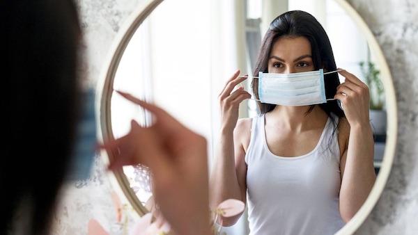 Cómo evitar el MASKNÉ (o acné por mascarillas)